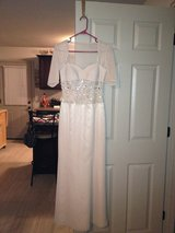 Like New Gown in Clarksville, Tennessee