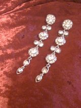 REDUCED!!!Silver & diamond long earrings in Fort Polk, Louisiana